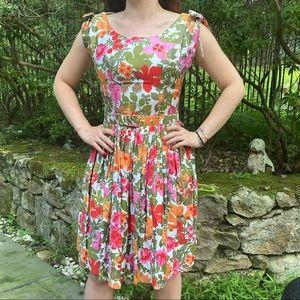 Amazing 1950/60's Vtg A-Line Floral Dress w Belt